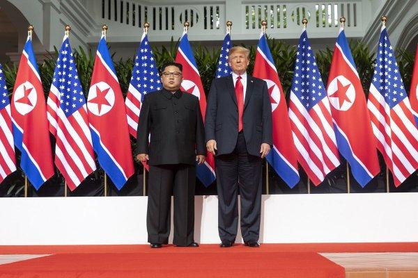 Фейковые страницы в соцсетях избавили корейцев от санкций США