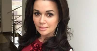 Анастасия Заворотнюк рассказала о третьей беременности