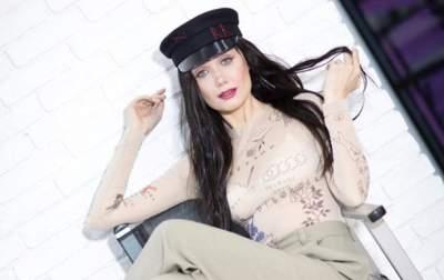 Поборовшая рак украинская певица вернулась на сцену
