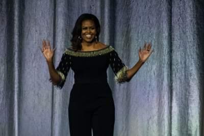 Мишель Обама появилась на публике в стильном комбинезоне