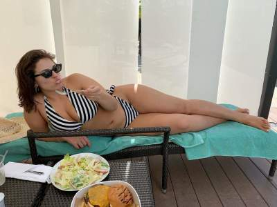 Эшли Грэм показала «настоящую» фигуру в бикини