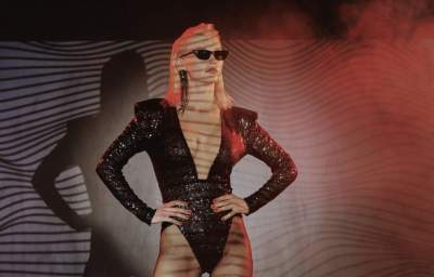 Миша Романова выпустила свой первый сольный клип