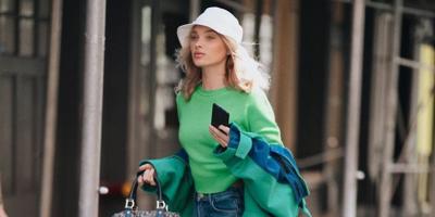 Эльза Хоск похвасталась стройной фигурой в стильном образе