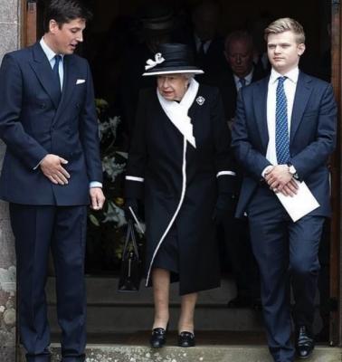 Елизавета II удивила необычным образом