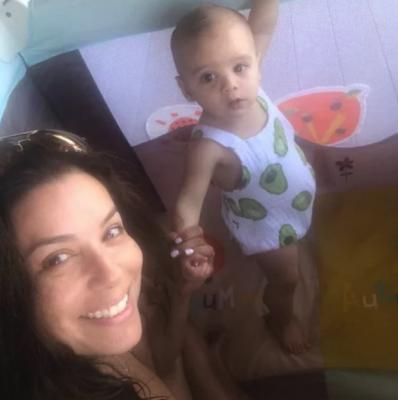 Ева Лонгория очаровала сеть фото с сыном