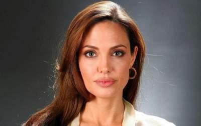 Инсайдер рассказал о финансовых проблемах Анджелины Джоли