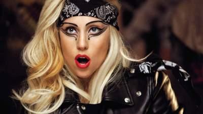 Леди Гага поделилась фотографией с борта самолета