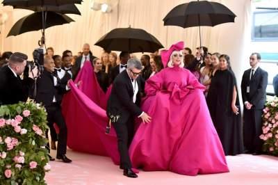 Леди Гага сменила 4 образа за вечер