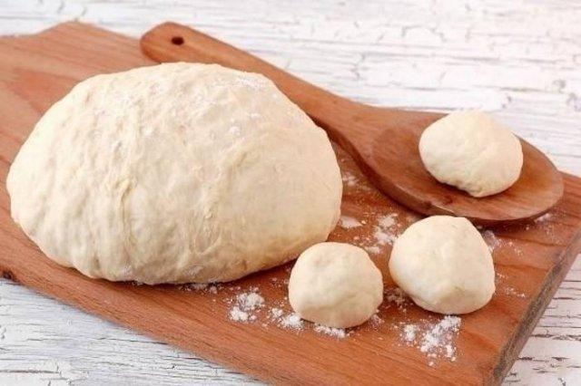Рецепт теста для пирожков на сухих дрожжах