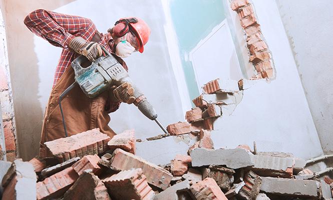 Качественные демонтажные работы в Тюмени